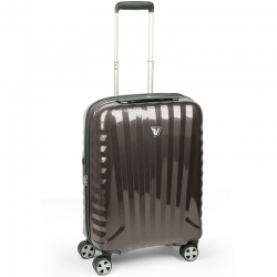 "22"" International Carry-on Spinner"
