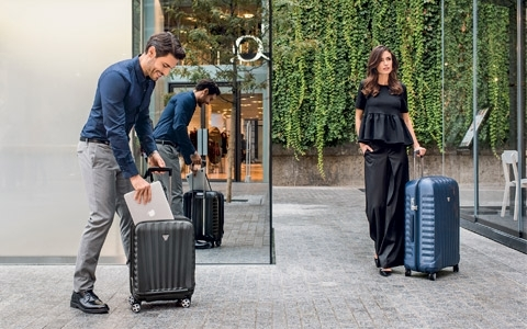 <p>The Top Selection of RV Roncato Hardside luggageMade in Italy bythe Best European Polycarbonate or Polypropylene for Box Collection. <span style=